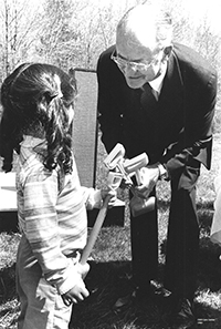 BLM_Opening-day-child-and-Henry-Roberts_1982